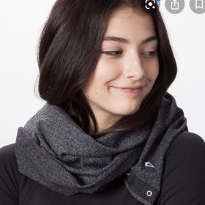 Ivivva Black and White Scarf